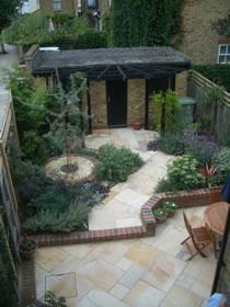 A small suburban garden for Suburban garden design ideas